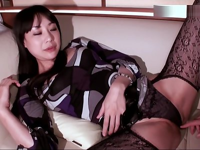 Sexy Japanese famous stripper Miho, impatient cumshot sex