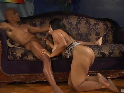 Busty ebony grabs older man's BBC for the ultimate porn play