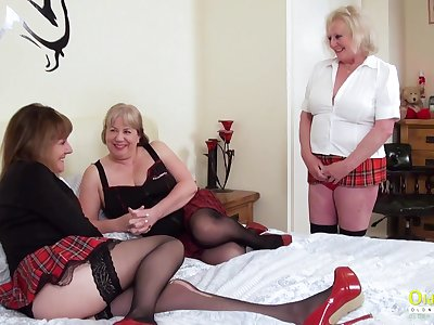 Older more experienced mature battalion arrange a threesome