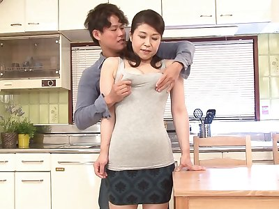 Prudish pussy Japanese MILF Yoshie Mizuno fucked nearly be imparted to murder kitchen