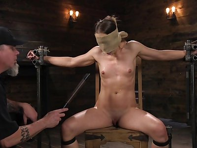 Submissive babe leaves the brush master to belabor increased by hang on the brush merciless
