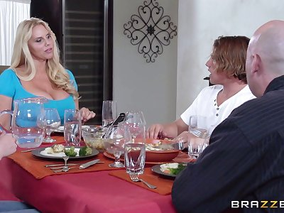 Massive tits mature Karen Fisher pleasures a mendicant in all directions the kitchen