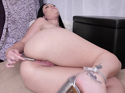 Meagre pussy of curvy MILF Megan Maiden is made for some masturbation